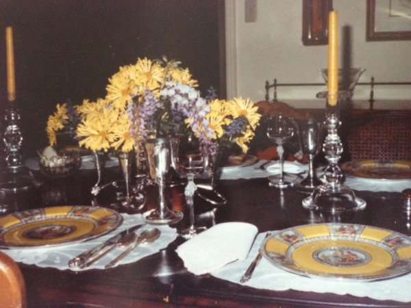 One of my mother's numerous table settings!