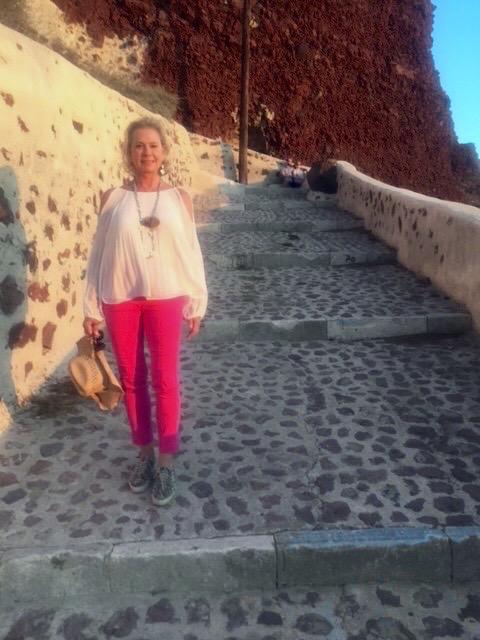 How many steps did I walk down to Ammoudi Beach?